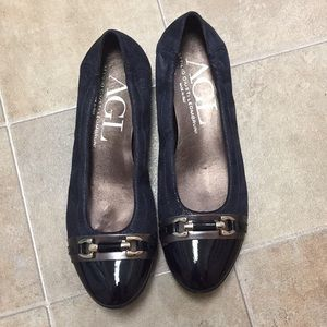 Navy shimmer AGL flats, never worn, size 8
